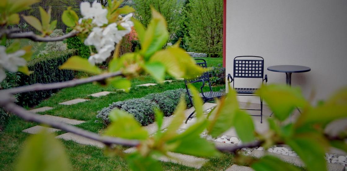 metal-garden-furniture