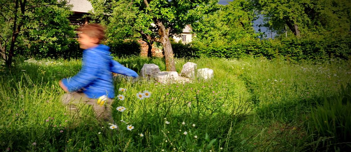 ureditev-okolice-playing-garden