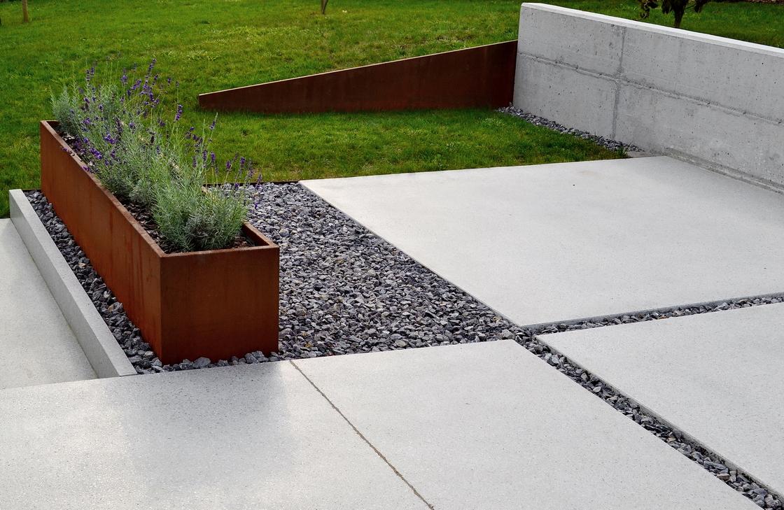 korten, voda, teraco in vrt nekje vmes